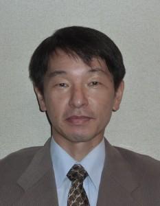 会長写真 江前敏晴 2016年4月